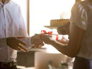 7_NonWork_Employee_Gift_opportunities